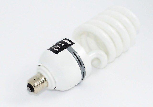 kroucená žárovka