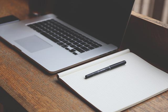 notebook a sešit