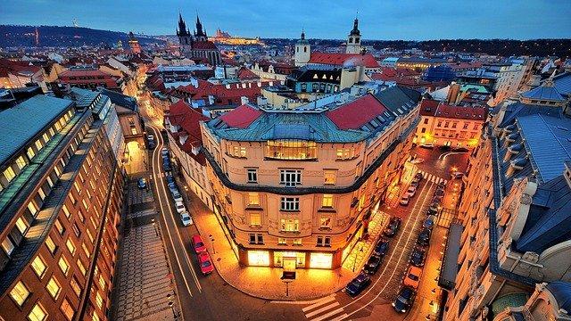 Praha po setmění